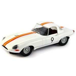 Scalextric Jaguar E-Type 1965 Bathurst No.9 Bob Jane