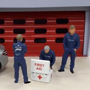 Slot Track Scenics Medical Crew Pack A