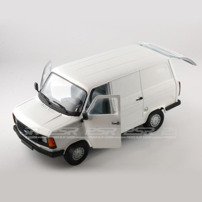 italeri ford transit mk2 kit 1 24 3657. Black Bedroom Furniture Sets. Home Design Ideas